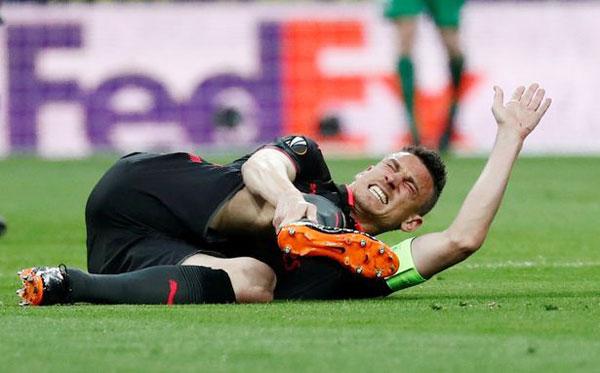 Giới truyền thông Anh cho biết, Laurent Koscielny gần như vắng mặt tại World Cup mùa hè này với chấn thương mới nhất.