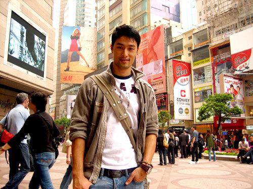 Johnny Trí Nguyễn không muốn nói gì thêm về chuyện gia đình tan vỡ.