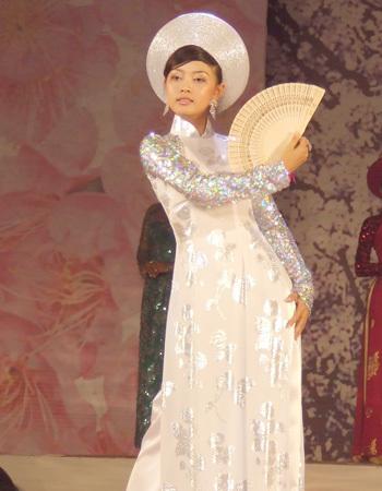 Nguyễn Lan Phương, Sóc Trăng.