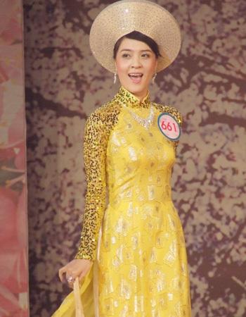 Trần Tú Vân, Cà Mau là thí sinh được khán giả nhận xét có khuôn mặt giống diễn viên Vân Dung.