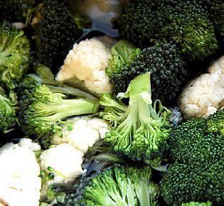 health-green-brocolli-fights-cancer-pjli