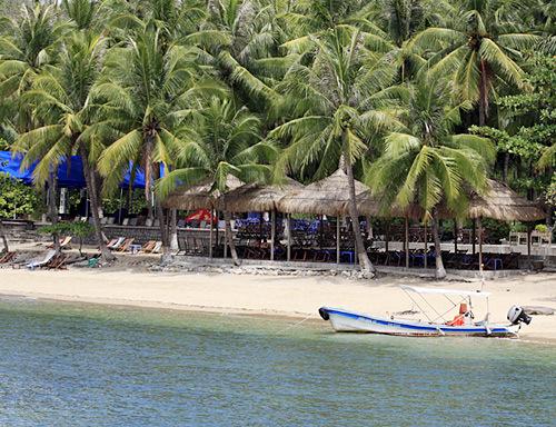 Bãi biển ở trong khu biệt thự Bảo Đại. Ảnh: Ban Mai.
