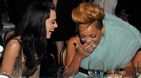 katy-perry-rihanna-1-116050-1368155056_5