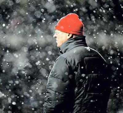 Thời tiết khắc nghiệt ảnh hưởng không nhỏ tới lịch thi đấu của các đội.