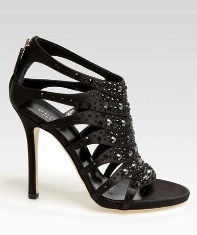 Giày cao gót nữ Gucci.