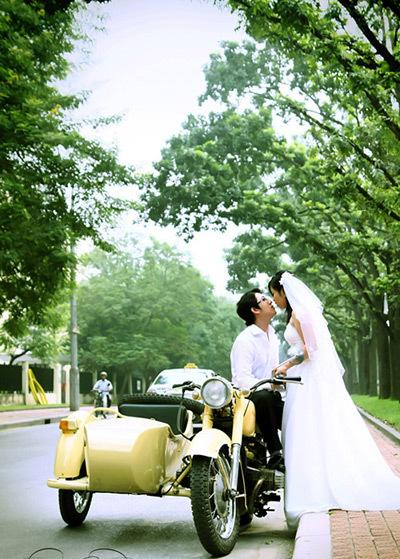 Nhiều đôi uyên ương chọn đây là nơi hẹn hò và chụp ảnh cưới. Ảnh trong bộ 'Tình yêu vẹn nguyên từ cái nhìn đấu tiên'.