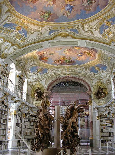 Thư viện Admont ở Áo là thư viện thần học lớn nhất thế giới.