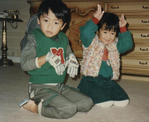 Những hình ảnh của họ khi còn là cô bé, cậu bé nghịch ngợm, đáng yêu.