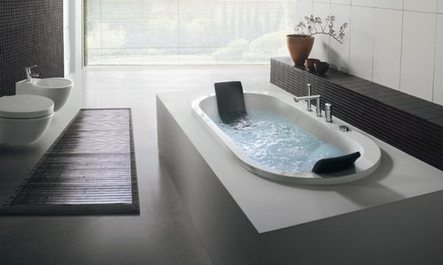 bathtub2-303903-1376025927_500x0.jpg