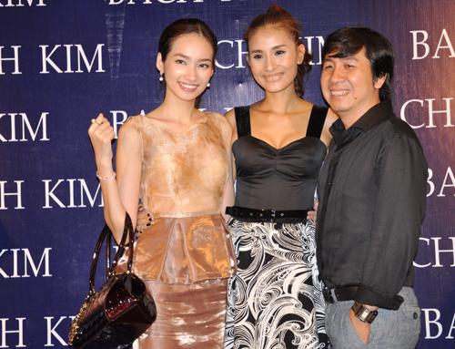 Trúc Diễm và những người bạn trong nghề của Kim Minh xuất hiện từ rất sớm, để chúc mừng cô khai trương công ty.