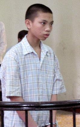 Phan Văn Hà trước vành móng ngựa.