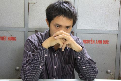 Chu Hồng Hiệp tại trụ sở cảnh sát.