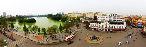 Hồ Gươm và quảng trường Đông Kinh Nghĩa Thục, chụp từ City View cafe