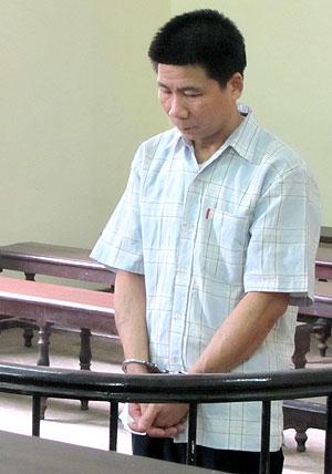 Bị cáo Nguyễn Văn Hạnh trong khi nghe tuyên án.