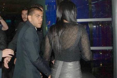 Dani Alves và bà xã