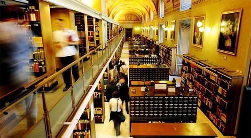 Mỗi năm chỉ có khoảng 4.000 đến 5.000 học giả từ các nước trên thế giới được phép tới đây nghiên cứu.