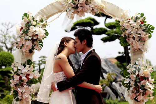 Trong bộ phim ngắn minh họa cho clip của ca sĩ Khắc Việt, Lee Ba Lan có dịp hóa thân thành nàng diễn viên múa xinh đẹp. Cô có mối tình với anh chàng nhạc sĩ.