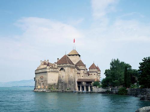 Lâu dài Chillon ở hồ Geneva.