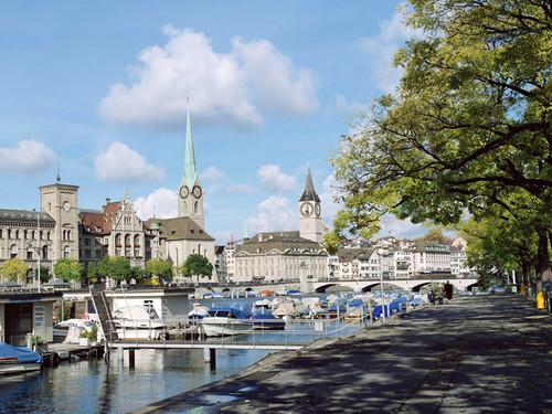Nhà thờ Saint Peter in Zurich.
