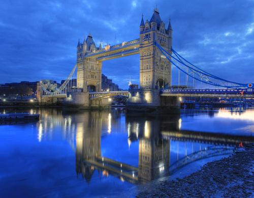 London, thủ đô của xứ sở sương mù được coi là thành phố an toàn và có cuộc sống xa hoa trên thế giới. Đây được mệnh danh là thành phố giàu nhất châu Âu và luôn năm trong top 10 thành phố giàu nhất thế giới.