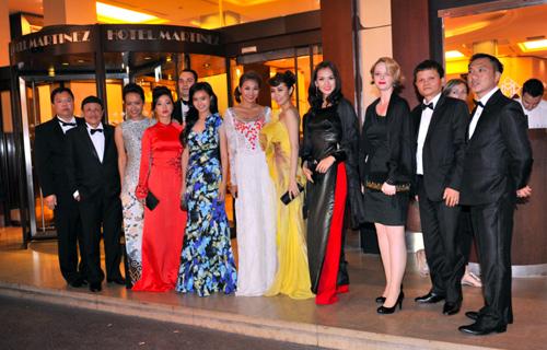 Đoàn nghệ sĩ Việt Nam năm nay đến Cannes với 9 người.
