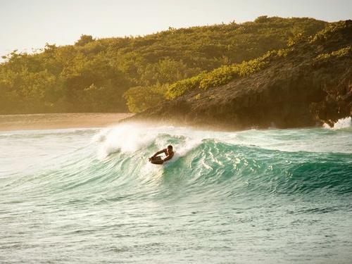 Bãi biển Mar Chiquita, Puerto Rico là bãi biển đẹp nhất bên thành phố giải trí San Juan.