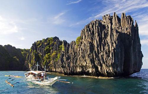Đảo Palawan ở Philippines có nhiều hòn đảo nổi trên nước.