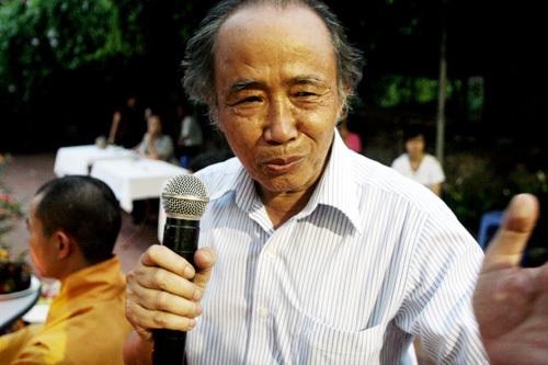 Nói về ý tưởng tổ chức lễ cầu siêu, chủ khách san chó mèo, ông Bảo Sinh chia sẻ: '