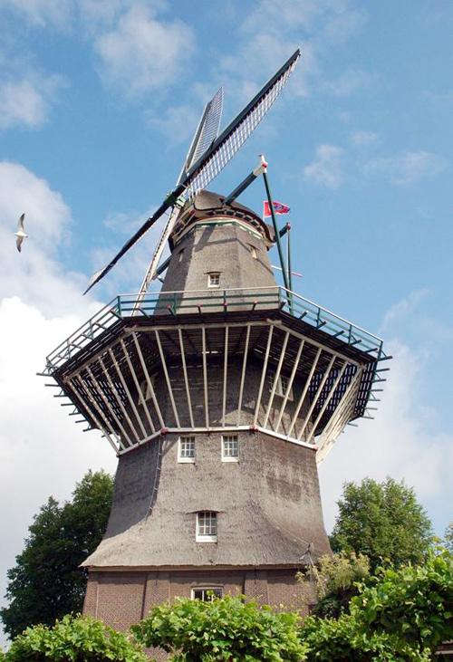 Cối xay gió là biểu tượng của Amsterdam.