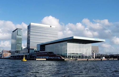 Công trình Music Building có đầy đủ nhà hàng, rạp hát, trung tâm mua sắm.