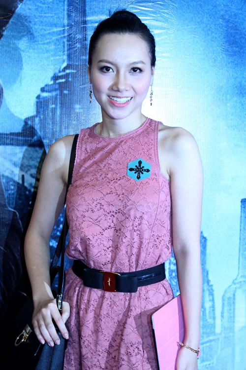 Diễn viên Minh Hà của 'Lập trình cho trái tim'.