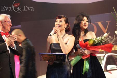 Lady Luxury Night có sự góp mặt của Hoa hậu Thế giới người Việt 2007 Ngô Phương Lan, MC - Hoa khôi Thể thao Thu Hương, nhà thiết kế Đức Hùng và hơn 300 khách mời là các doanh nhân thành đạt, người nổi tiếng, các nhà hoạt động xã hội và đại diện các cơ quan báo chí truyền thông...