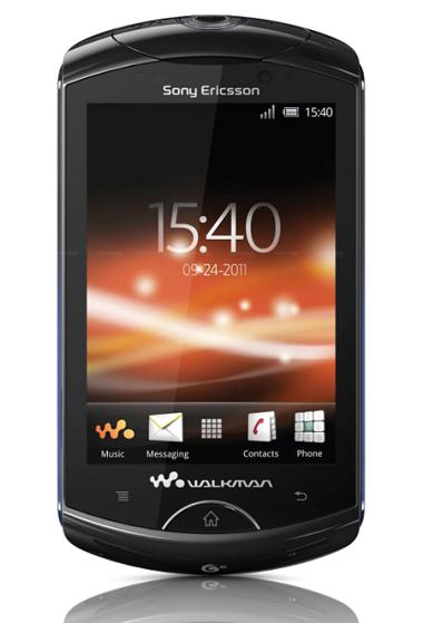 Walkman WT19 màn hình cảm ứng HVGA, chạy Android 2.3.