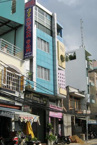 Khách sạn nơi xảy ra vụ án mạng.