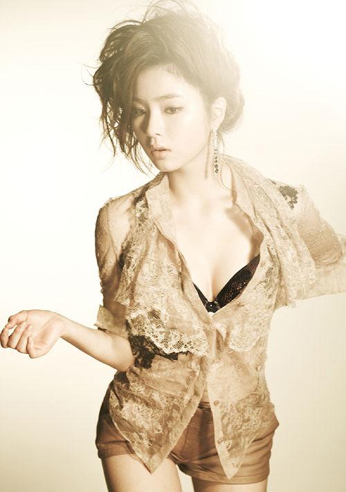 shin-se-kyung-1-156021-1377713042.jpg