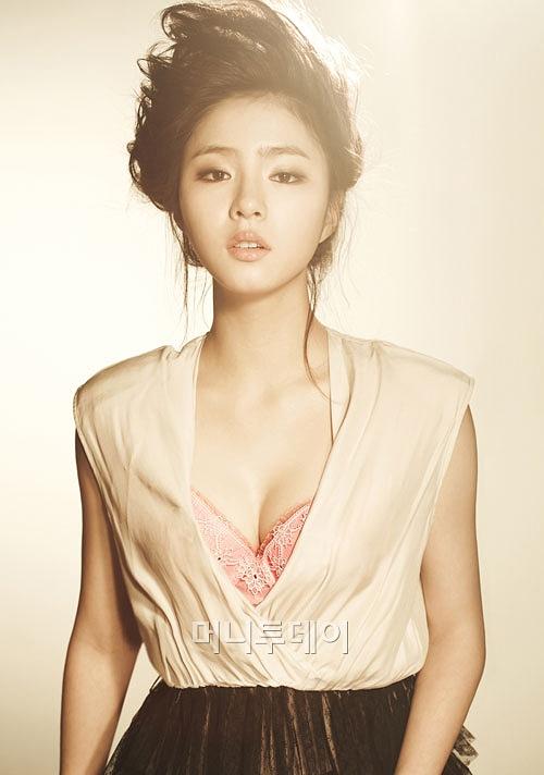 shin-se-kyung-2-320240-1377713042.jpg