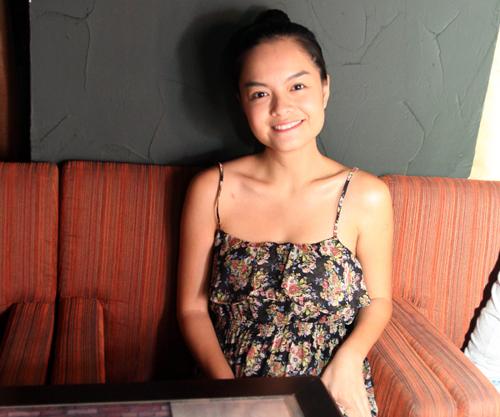 Vốn là người bạn thân thiết trong nghề của Hồng Ân, Phạm Quỳnh Anh