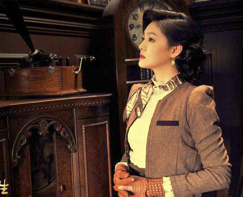 Từ Hy Viên với tạo hình rất thời trang và thanh lịch.
