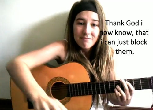 Madelaine Zammid hiện là học sinh trung học ở Australia.