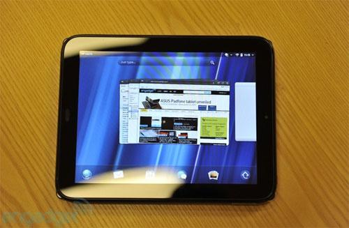 HP TouchPad màn hình 9,7 inch, độ phân giải 1024 x 768 điểm ảnh.