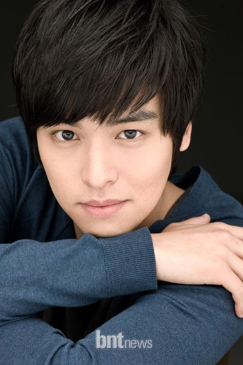 Lee Jangwoo.