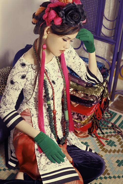 Đây là các trang phục lấy cảm hứng từ áo bà ba truyền thống.