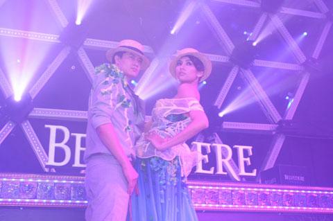 Hoàng Yến có màn diễn cặp rất tình cảm với siêu mẫu Xuân Thu