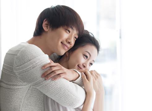 Bi Rain và Han Ye Seul tình tứ trong MV của anh.
