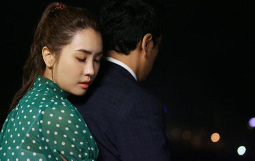 Lee Da Hae thủ vai Miri, cô bất ngờ dành cho vị giám đốc một cái ôm từ phía sau. Cảnh này gây ấn tượng mạnh cho khán giả.