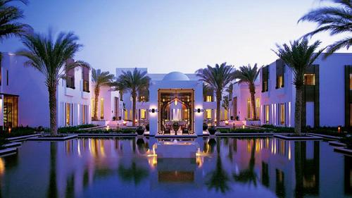 Khu nghỉ dưỡng cao cấp Chedi Muscat có vẻ đẹp lộng lẫy như trong truyện cổ tích.