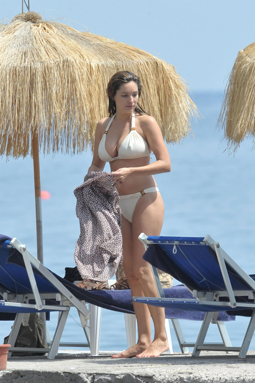 kelly-brook-15-101857-1368216006_500x0.j