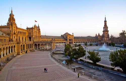 Thành phố Seville, thủ phủ của vùng Andalusia là một nơi cổ kính, đầy màu sắc.
