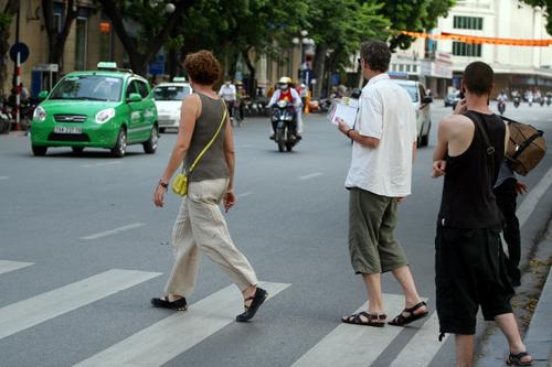 Sang đường, không phải ai cũng đủ dũng cảm để đi đầu.