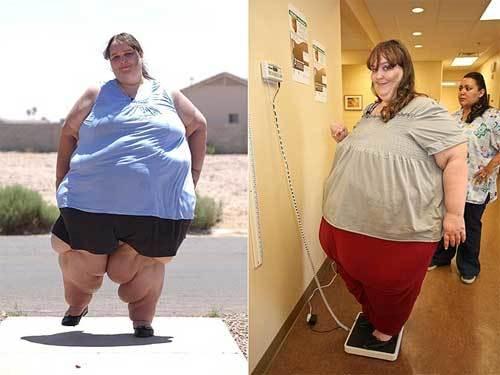 Bà mẹ đơn thân này chia sẻ: 'Càng béo, tôi càng cảm thấy thích. Tôi thấy mình tự tin và gợi cảm. Cách đây hai năm, tôi cân nặng hơn 200 kg và thực tế là việc này khiến tôi bắt đầu hấp dẫn đàn ông. Mục tiêu của tôi cuối năm nay phải đạt được 360 kg và tới năm 41 hay 42 tuổi, sẽ là khoảng 700 kg'.
